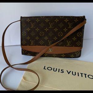 Vintage Louis Vuitton Pochette Bordeaux Bag